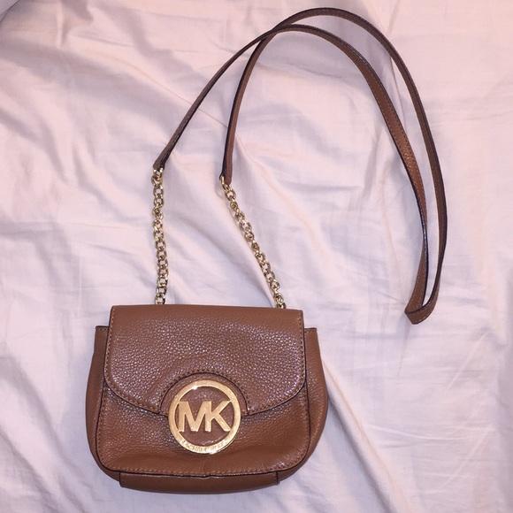 4328920e3c65 MICHAEL Michael Kors Cognac Moni Crossbody Bag. M 5c4de87f0cb5aa96d96e2817